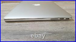 Apple MacBook Pro (15-inch Mid 2015) 2.2 GHz Intel core i7 256GB SSD 16GB RAM