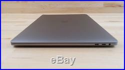 Apple MacBook Pro (15-inch Mid 2017) 2.8 GHz Intel core i7 512GB SSD 16GB RAM