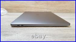 Apple MacBook Pro (15-inch Mid 2018) 2.2 GHz Intel core i7 1TB SSD 16GB RAM