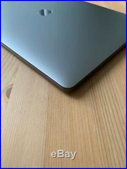 Apple MacBook Pro (15-inch Mid 2018) 2.9 GHz Intel core i9 1TB SSD 32GB RAM