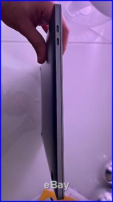 Apple MacBook Pro 15-inch Mid 2018 2.9 GHz i9 512 SSD 560X 32 GB RAM Space Gray