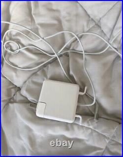 Apple MacBook Pro A1286 15 Laptop MD104LL/A (Mid-2012)