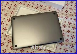 Macbook pro 15 mid 2017 512gb space gray