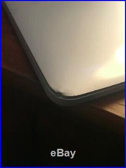 Mid 2015 15 Apple MacBook Pro Retina 2.2 GHz Quad-Core I7 256 GB SSD 16gb RAM